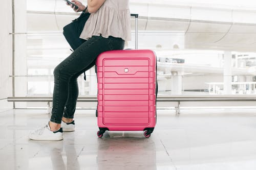 5 Tips To Pack Light For a Weekend Getaway